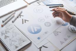starters-united-agence-de-creation-et-developpement-franchise-et-marque-actus-nouvelles-tendances-marque-logo-minimaliste-et-percutant